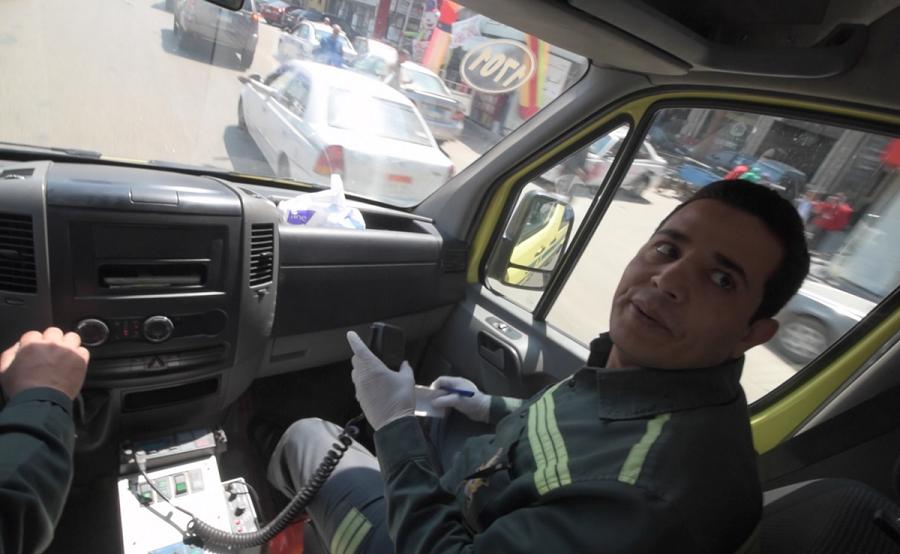 رجل الإسعاف المصري سعيد عساكر:25 عامًا في مهمة لإنقاذ أرواح الناس