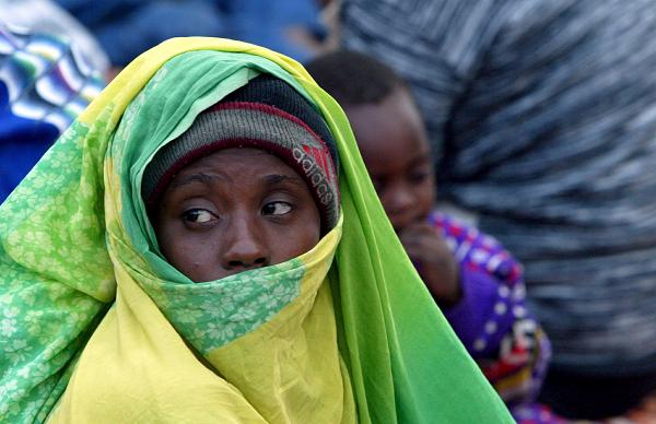 ليسوا بعالة على المجتمع..لون البشرة سببًا في معاناة لاجئين في بر مصر