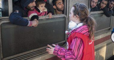 تغطية موسمية.. اللاجئون طرف صامت في الإعلام العربي