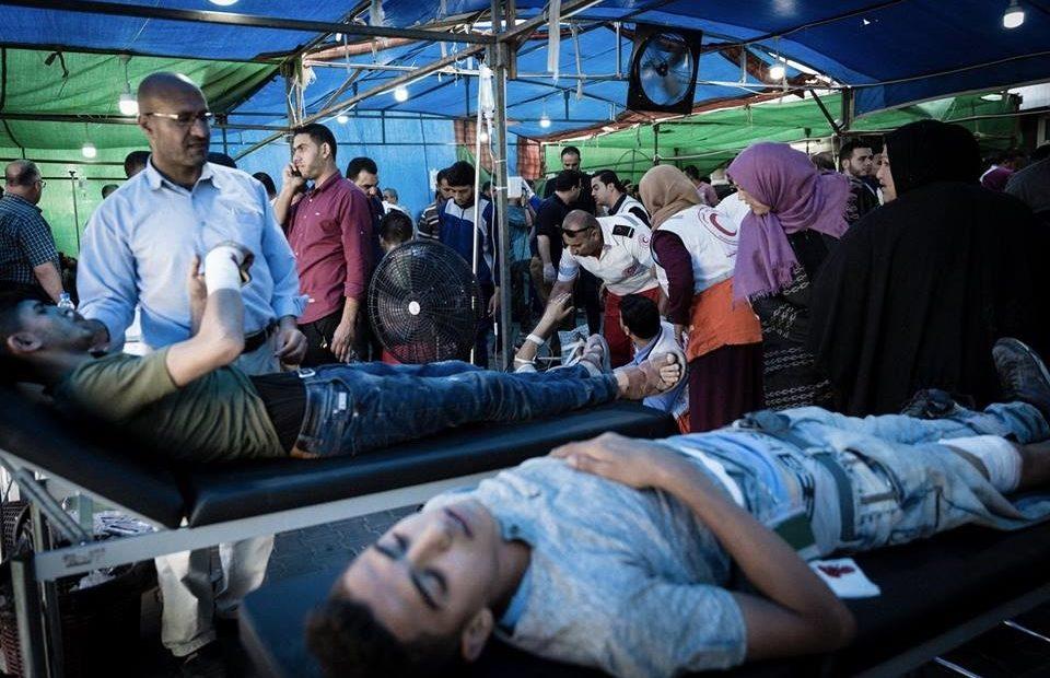 ممرضة في غزة: «لم يكُن أمامنا إلَّا أن نضع مرضانا على الأرض»