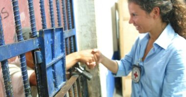الإفراج عن المحتجزين: 5 أسئلة عن دور اللجنة الدولية للصليب الأحمر