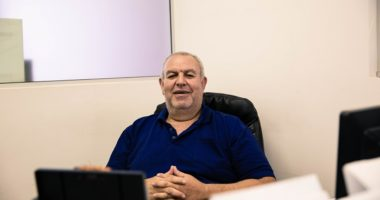 يوم في حياة اللجنة الدولية: أنور عباسي من فلسطين يتحدث عن عمله