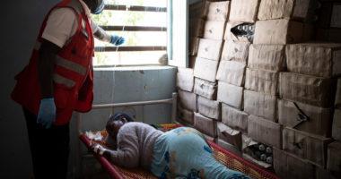 الصحة جسرًا للسلام: مكافحة الوباء مدخلًا محتملًا لحل النزاع