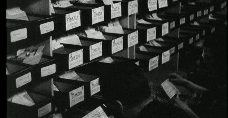 Le drapeau de l'humanité : un film à la lumière des archives