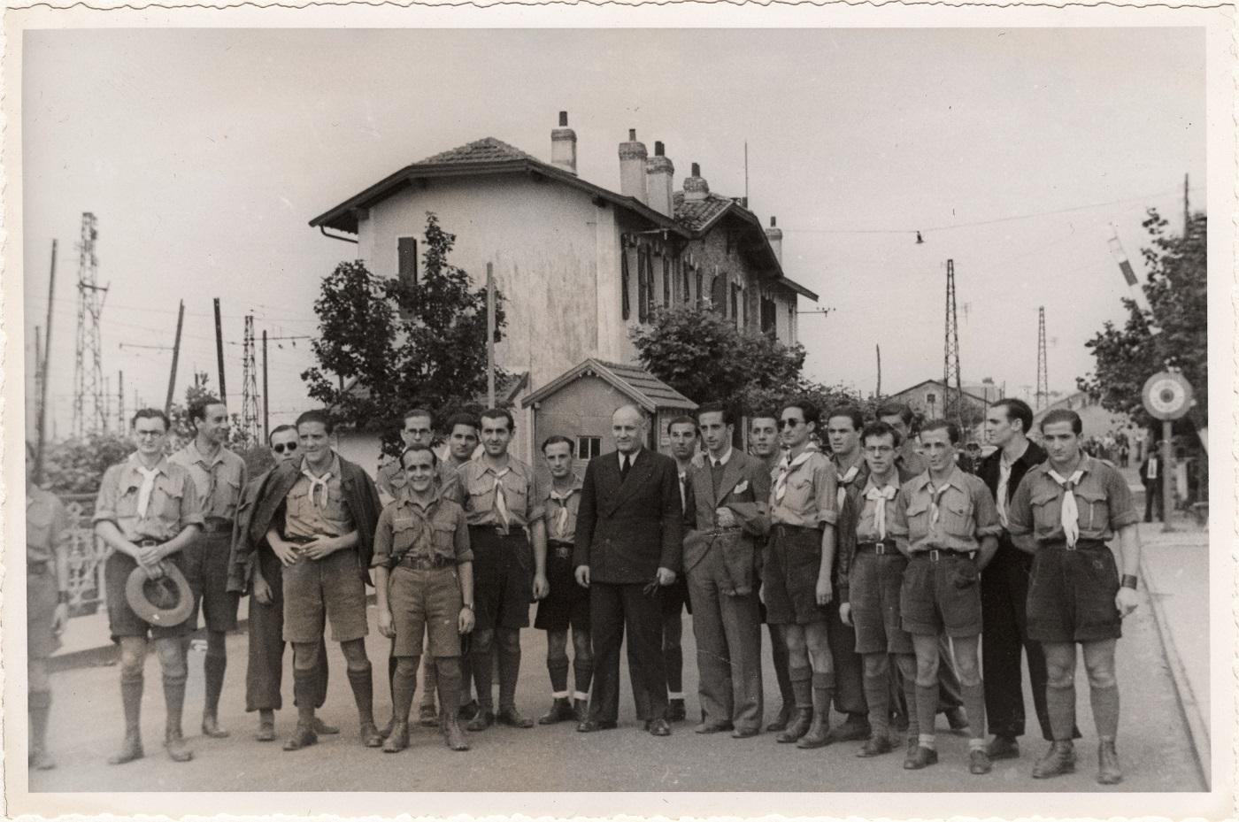 Guerre civile d'Espagne 1936-1939. Rapatriement de scouts.