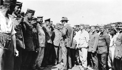 An ICRC delegate visiting a German prisoners of war camp in Tarn, France (A ICRC (ARR))