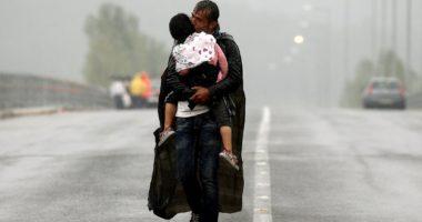 Hommage au photographe Yannis Behrakis, «réfugié» parmi réfugiés et migrants