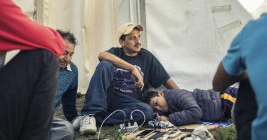 WhatsApp utilisé par la Croix-Rouge pour fournir des conseils humanitaires aux Migrants