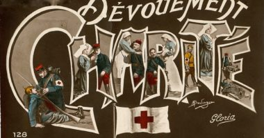 La carte postale «Croix-Rouge», star de la Première guerre mondiale