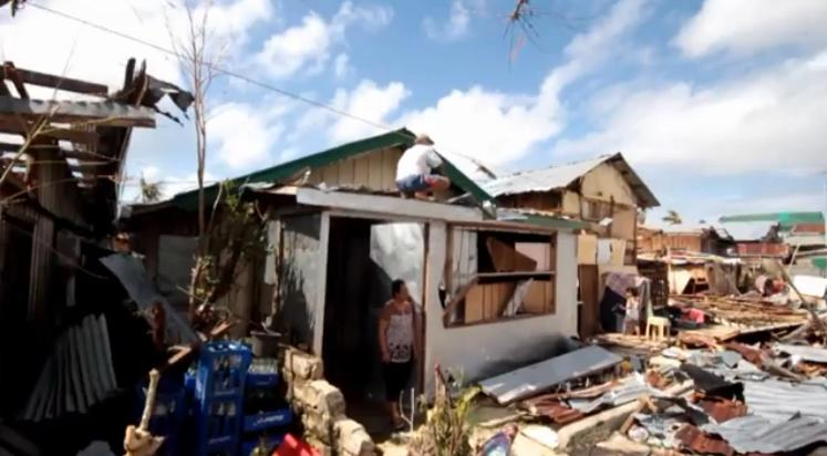 Philippines: Surviving Typhoon Haiyan (video)