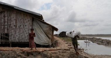 מיאנמר: דלק מסייע לעקורים בראכין לבשל את מזונם