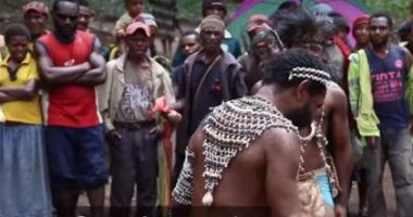 פפואה גיניאה החדשה: דרמה אינטראקטיבית ככלי להפחתת סבל