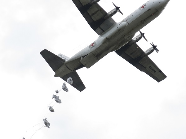 Jonglei State, Waat, SOUTH SUDAN. Food is dropped from an ICRC chartered plane for the people displaced by the conflict. Photo: ICRC/ BUECHLI, Yannick