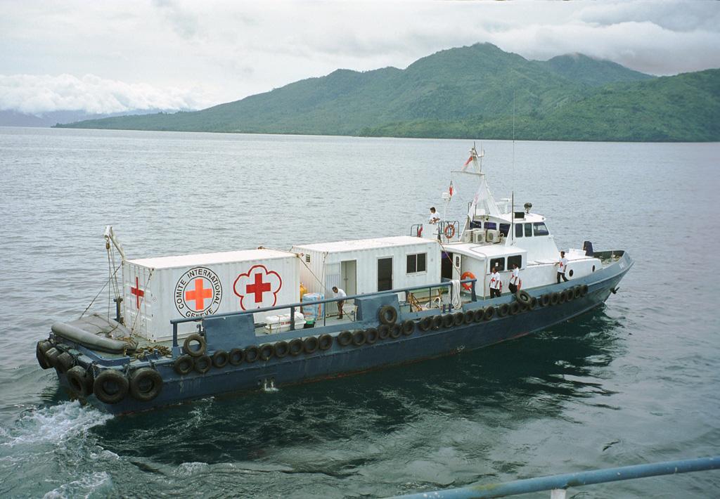 ICRC bekerja sama dengan PMI memberikan bantuan kemanusiaan bagi pengungsi di Ambon dan Ternate