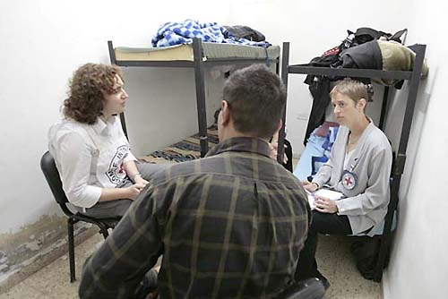ICRC Fasilitasi Pertukaran Gilad Shalit dengan 477 Tahanan asal Palestina