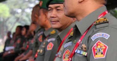 Simulasi Perang Diperagakan Di Hadapan Guru Militer di Bandung