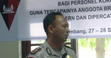 Sosialisasi Standar Kepolisian Internasional dan VCD Dilematis Anggota Brimob di Palembang