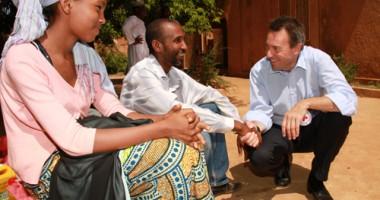 Para Pengungsi Mali Menceritakan Kehidupan Mereka Kepada Presiden ICRC