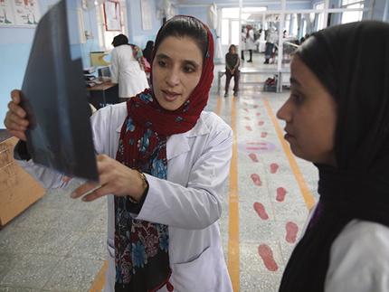Kisah Wanita Afghanistan yang Terluka Akibat Perang – Karima dan Rahima (3)