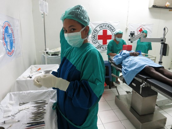 Pemeriksaan Mata dan Operasi Katarak Gratis Bagi Masyarakat di Karubaga, Papua
