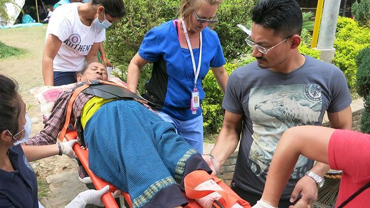 "Dokter di sebuah rumah sakit di Nepal: ""Kami berada dalam perang tanpa musuh"""