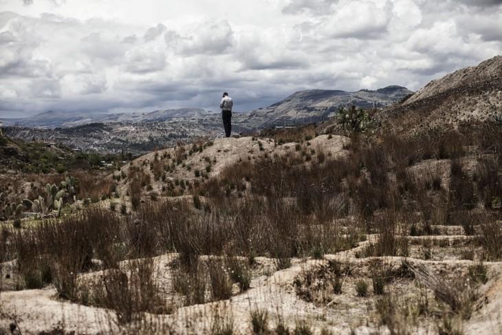 Ratusan mayat digali di La Hoyada, di pinggiran Ayacucho. [Nadia Shira Cohen/ICRC]