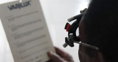 Pelayanan Kesehatan Mata di Tiom, Lanny Jaya dalam Foto
