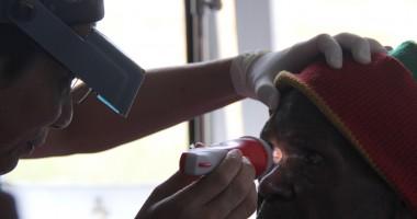 519 Warga Tiom Mendapatkan Pelayanan Kesehatan Mata Gratis