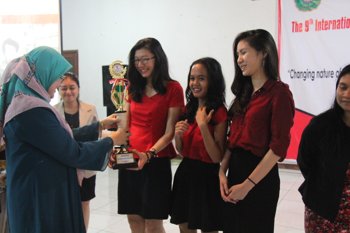 Universitas Parahyangan juara baru IHL National Debate Competition 2016