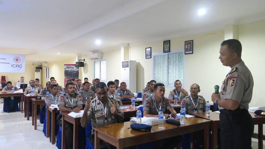 1263 Polisi Indonesia dan 59 Polisi Timor-Leste Mengikuti Sesi Aturan dan Standar Internasional untuk Pemolisian ICRC pada 2016