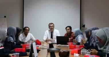 Berkunjung ke ICRC Jakarta, 44 mahasiswi Universitas Darussalam Gontor turut diskusi tentang IHL