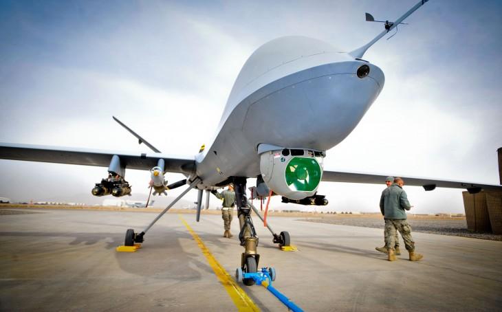 Penargetan ekstrateritorial dengan menggunakan drone bersenjata: Beberapa implikasi hukum