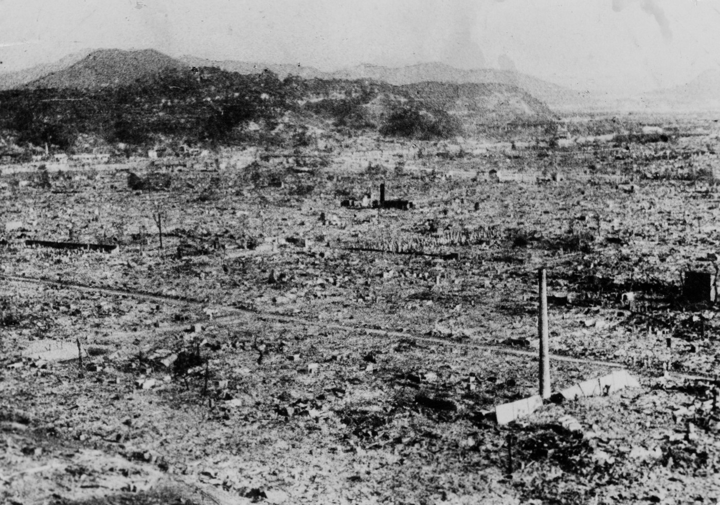World War II. Hiroshima, 0,8 km from the explosion centre. 24 hours after the explosion of the atom bomb. Photo by Satsuo Nakata © ICRC Archives