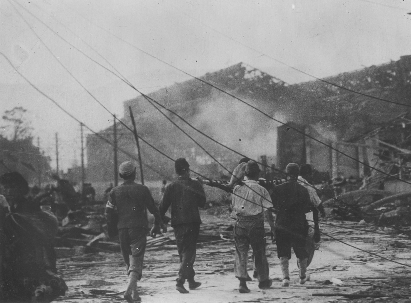 the aftermath of hiroshima and nagasaki japans bombing All japanese homes were seriously damaged up to 6,500 feet in hiroshima, and   the nagasaki prefectural report describes vividly the effects of the bomb on.