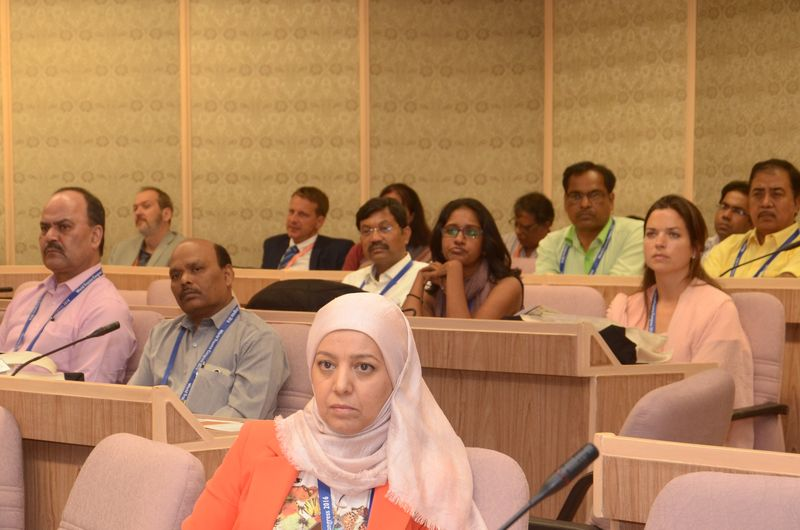 Delegates participate in the session facilitated by Dr Harald Veen, the ICRC Chief Surgeon, on traumatology in emergency situations at the World Trauma Congress.