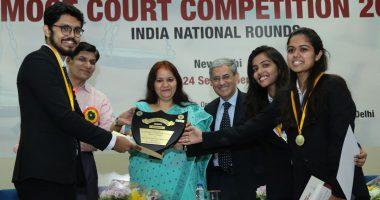 हेनरी डुनेंट मेमोरियल मुट कोर्ट प्रतियोगिता के १७ वीं संस्करण के विजेता निरमा विश्वविद्यालय ।