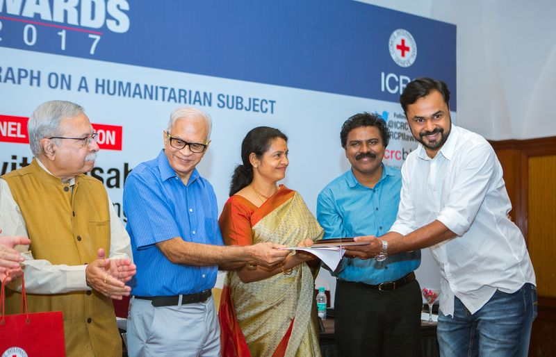 Journalists from Malayala Manorama, Hindustan Times bag PII-ICRC Awards