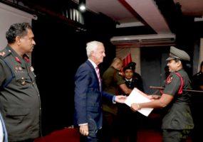 कोलंबो में आईसीआरसी और डायरेक्टरेट फॉर ओवरसीज ऑपरेशंस द्वारा सेना के प्रशिक्षकों के लिए पहले ट्रेनिंग ऑफट्रेनर्स पाठ्यक्रम का संचालन