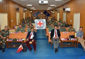 Indian military officers conversing IHL with ICRC experts