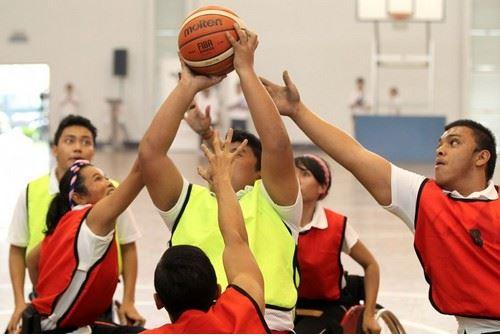 กัวลาลัมเปอร์-นักกีฬาของทีมกัมพูชาและมาเลเซียระหว่างเกมการแข่งขัน