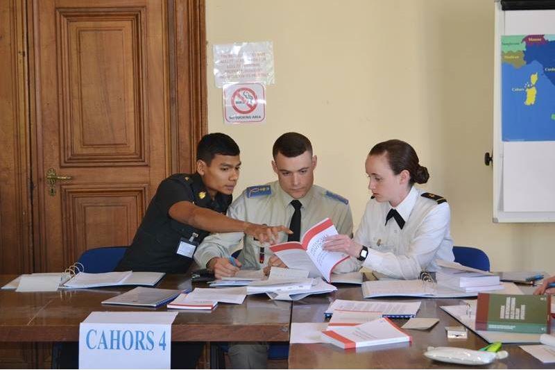 นักเรียนนายร้อย 22 ทีมจาก 15 ประเทศทั่วโลกต้องทำการค้นคว้าและศึกษาโจทย์ที่ได้รับอย่างละเอียดถี่ถ้วน