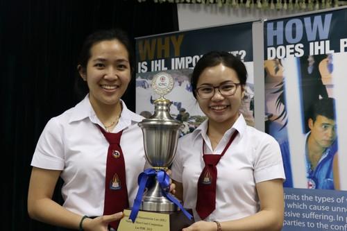 สองผู้ชนะการแข่งขันว่าความศาลจำลองของสปป ลาว ต้องเดินทางไปร่วมการแข่งขันว่าความศาลจำลองที่ฮ่องกงในปีหน้า