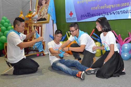 เด็กเข้าร่วมกิจกรรมสาธิตการปฐมพยาบาลเบื้องต้น