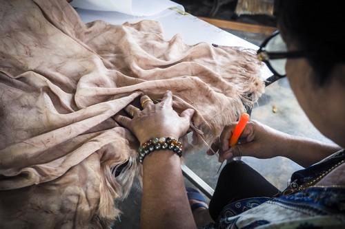 'สีมายา' กลุ่มหัตถกรรมเล็กๆ ที่เป็นความหวังอันยิ่งใหญ่ของชาวหน้าถ้ำ จังหวัดยะลา