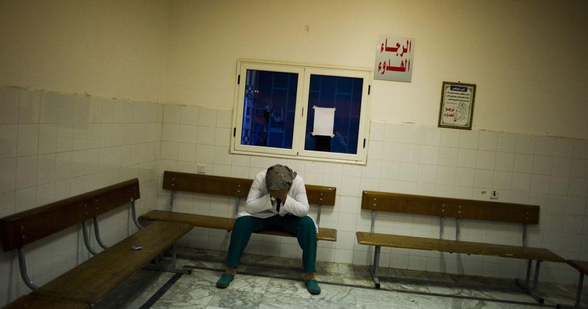 เมื่อผู้ช่วยชีวิตตกเป็นเป้าหมาย กฎหมายมนุษยธรรมระหว่างประเทศกล่าวถึงความรุนแรงทางการแพทย์ไว้อย่างไร?