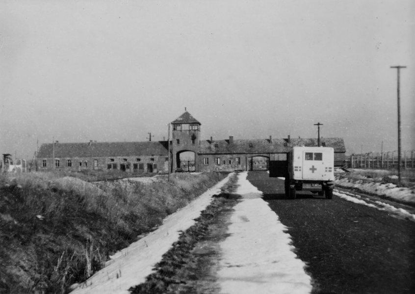 ICRC ทำอะไรในสงครามโลกครั้งที่สอง? : เกิดอะไรในระหว่างการฆ่าล้างเผ่าพันธุ์ชาวยิว