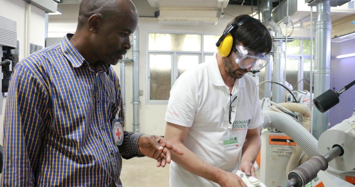 'ความรู้คือพลัง' นักอุปกรณ์กาย 9 ท่าน กับการพัฒนาทักษะเพื่อยกระดับคุณภาพชีวิตของผู้พิการในอัฟานิสถาน