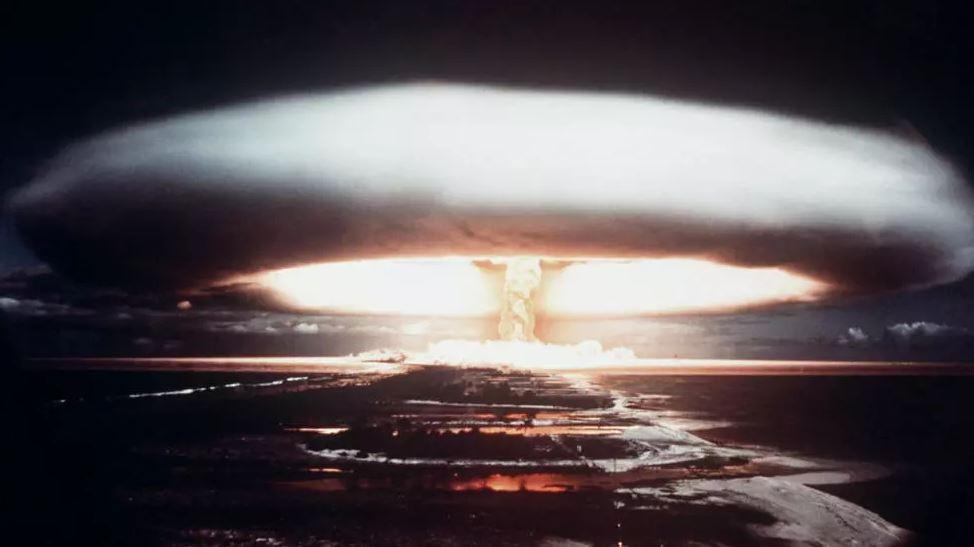 อาวุธนิวเคลียร์ผิดกฎหมายหรือไม่? สงครามโลกครั้งที่ 3 จะเกิดขึ้นจริงมั้ยหากไม่มีอาวุธนิวเคลียร์คานอำนาจ? ถามตอบทุกปัญหา ว่าด้วยสนธิสัญญาห้ามอาวุธนิวเคลียร์